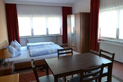Zimmer_Wiesenblick2_Appartements_Muehlengrund_Saarmund